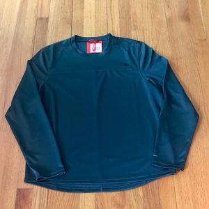 NWT The North Face Long Sleeve Crew Shirt Large